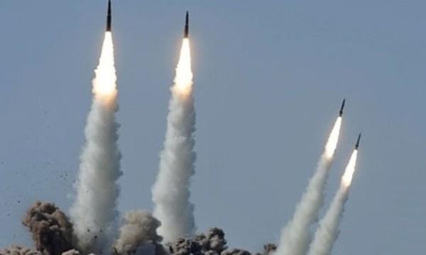 Hệ thống tên lửa Iskander của Nga khai hỏa. Ảnh:Sputnik.
