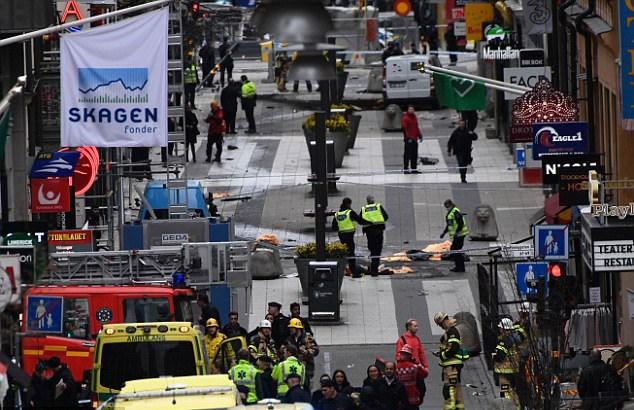 Hiện trường vụ tấn công khủng bố tại Thụy Điển hôm 7/4 (Ảnh: AFP)