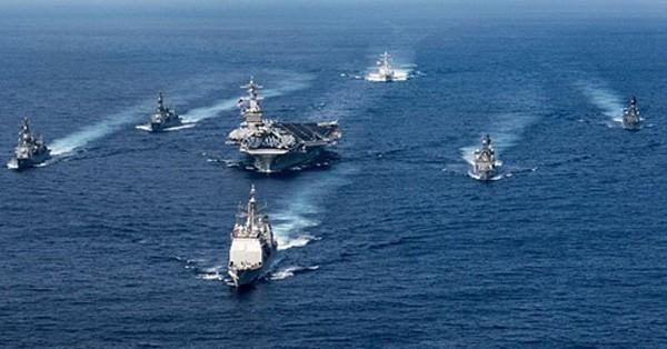 Cụm tàu sân bay chiến đấu USS Carl Vinson của Mỹ. Ảnh:US Navy.