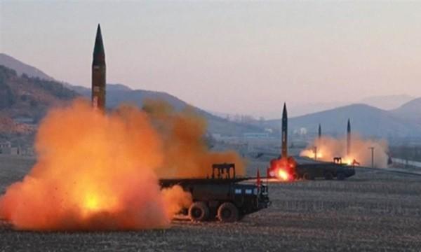 Một vụ phóng thử tên lửa của Triều Tiên. Ảnh:KRT.