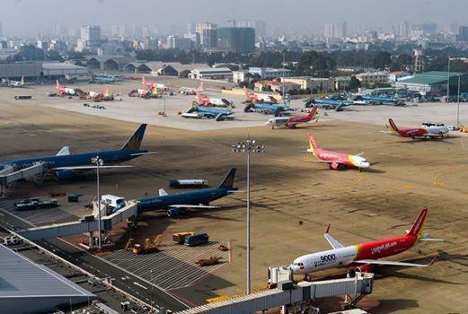 """Sân bay Tân Sơn Nhất đã """"vỡ"""" công suất thiết kế và đang cần được cấp thiết """"giải cứu"""""""