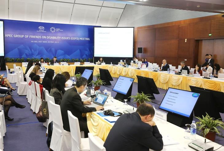 Hội nghị các quan chức cao cấp APEC lần thứ hai diễn ra tại Hà Nội từ ngày 9 - 21/5. Ảnh: Lê Tiên