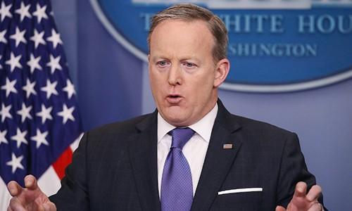 Phát ngôn viên Nhà Trắng Sean Spicer gặp nhiều rắc rối từ khi Tổng thống Trump sa thải giám đốc FBI. Ảnh:CNN