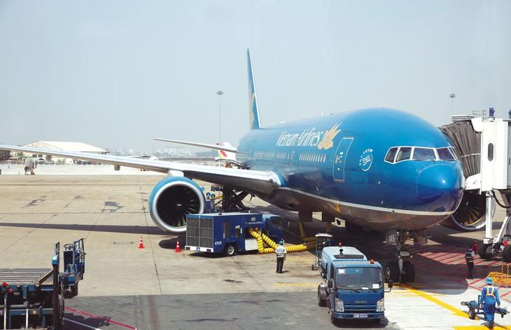 Chuyện doanh nghiệp ngành hàng không đòi áp giá sàn vé máy bay là một điển hình về thao túng thị trường. Ảnh: Nhã Chi
