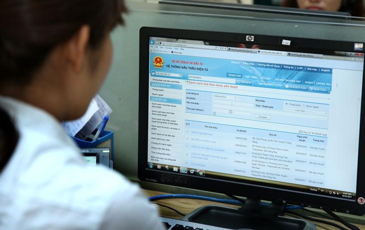 Đối với người dùng là nhà thầu, việc mượn chứng thư số có thể bị quy là thông thầu. Ảnh: Lê Tiên
