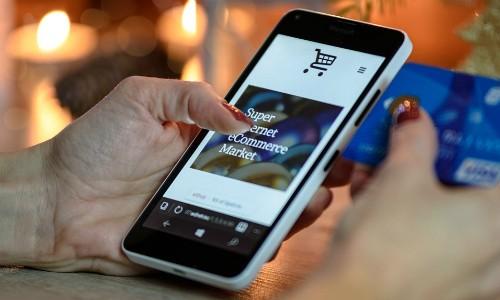 Việt Nam có tốc độ tăng trưởng thương mại điện tử thuộc loại cao nhất thế giới.Ảnh minh hoạ.