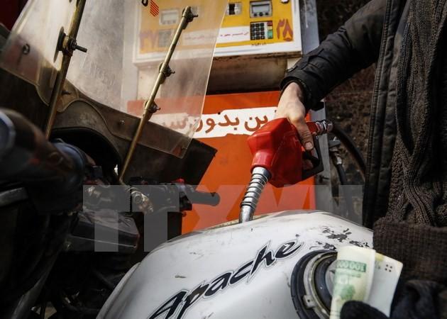 Tại một trạm bán xăng ở Tehran. (Nguồn: AFP/TTXVN)