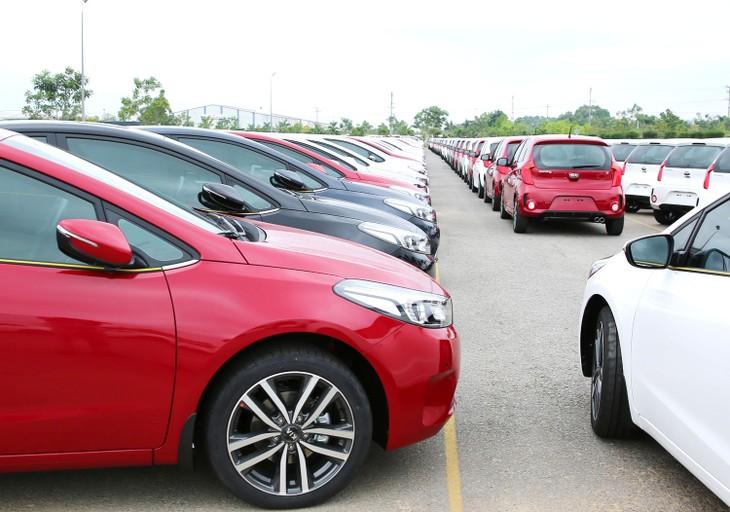 Thuế nhập khẩu của nhiều mặt hàng có kim ngạch nhập khẩu cao như ô tô, phụ tùng ô tô giảm mạnh theo cam kết tại các FTA. Ảnh: Tiên Giang
