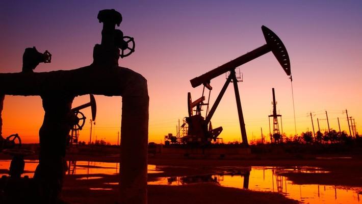 Sụt 5%, giá dầu về đáy 17 tháng