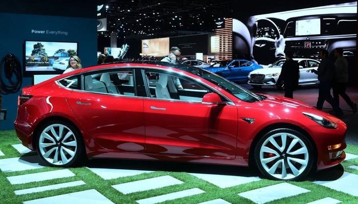 Tesla Model 3 ra mắt ngày 28/2 với giá từ 35.000 USD.