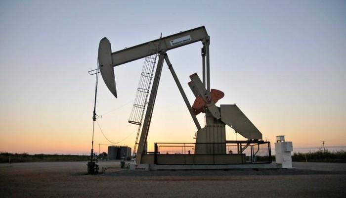 """Thông tin về sản lượng dầu kỷ lục của Mỹ tiếp tục là một nguồn áp lực giảm giá đối với """"vàng đen"""" - Ảnh: Reuters/CNBC."""