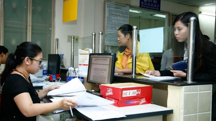Công tác cải cách hành chính tiếp tục đạt được những kết quả tích cực, tạo sự chuyển biến trong hoạt động của bộ máy hành chính nhà nước. Ảnh: Lê Tiên