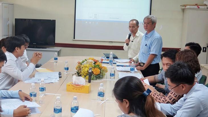 Các thắc mắc của các nhà thầu về HSMT đều được giải đáp tại Hội nghị tiền đấu thầu 2 gói thầu lớn của Bệnh viện Mắt TP.HCM. Ảnh: Hải An