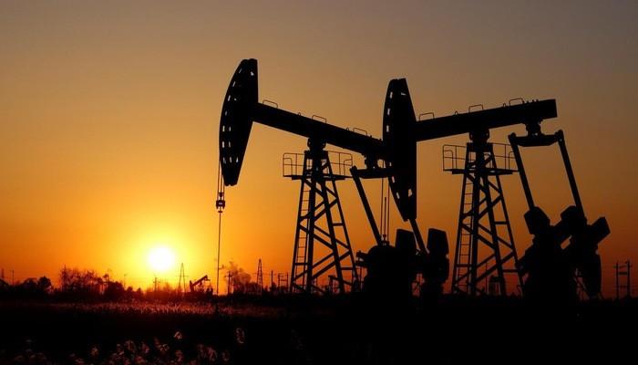 Các nước OPEC+ dự kiến sẽ họp vào tháng 6 để thảo luận về việc có tiếp tục hạn chế sản lượng dầu hay không - Ảnh: Reuters.