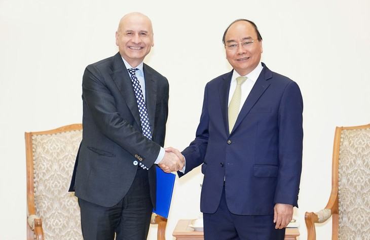 Thủ tướng Chính phủ Nguyễn Xuân Phúc tiếp Đại sứ Italia Antonino Alessandro. Ảnh: Hiếu Nguyễn