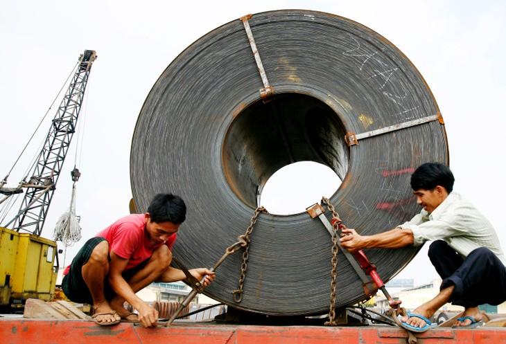 Nhiều nhà đầu tư tỏ ra ngờ vực với mục tiêu lợi nhuận của TISCO trong bối cảnh khó khăn của ngành thép và của chính doanh nghiệp. Ảnh: Nhã Chi