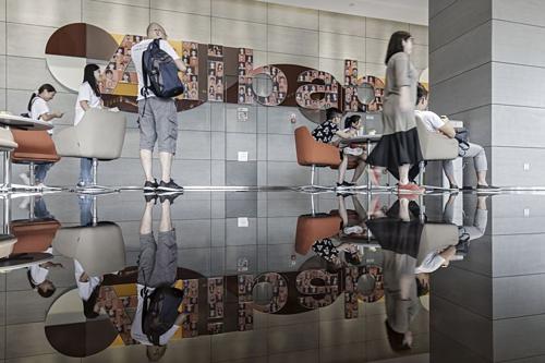 Bên trong trụ sở của Alibaba ở Hàng Châu (Trung Quốc). Ảnh:Bloomberg