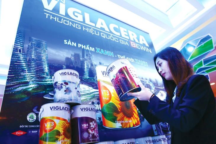 """Nhiều sản phẩm thương hiệu """"Made in Vietnam"""" đã được khách hàng tin dùng nhờ hoạt động truyền thông tích cực. Ảnh: Lê Tiên"""