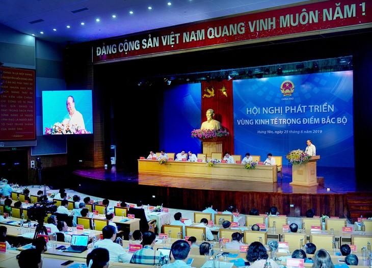 Thủ tướng Chính phủ Nguyễn Xuân Phúc phát biểu tại Hội nghị Phát triển Vùng kinh tế trọng điểm Bắc Bộ. Ảnh: Hiếu Nguyễn