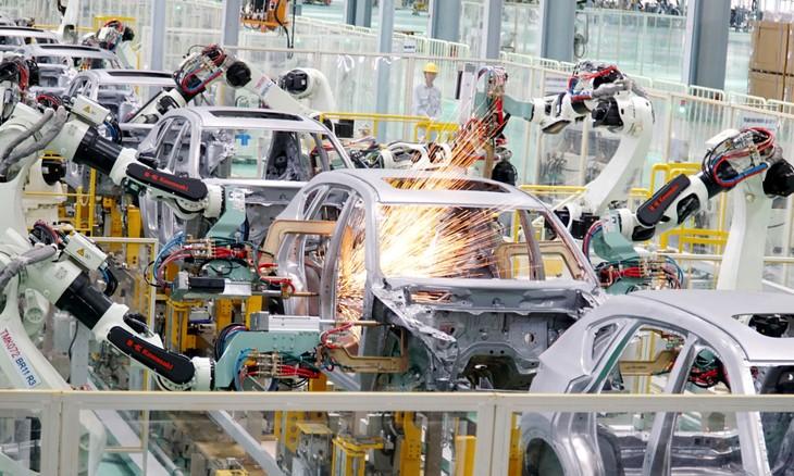 Nghị quyết 52 của Bộ Chính trị về một số chủ trương, chính sách chủ động tham gia cuộc cách mạng công nghiệp 4.0 đặt mục tiêu kinh tế số chiếm tới 30% GDP vào năm 2030. Ảnh: Lê Tiên
