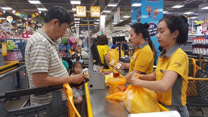 Phó Thủ tướng Vương Đình Huệ yêu cầu các bộ, ngành, địa phương theo dõi sát diễn biến cung cầu, thị trường, giá cả để có giải pháp bình ổn phù hợp. Ảnh: Nhã Chi