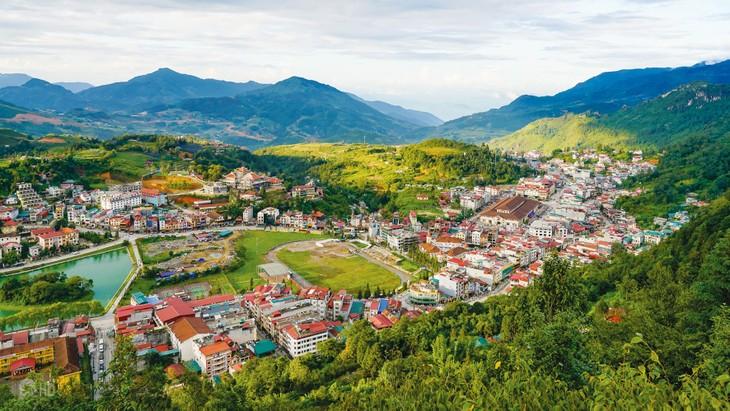 Tăng trưởng kinh tế của Lào Cai trong 3 năm 2016 - 2018 được duy trì ở mức khá cao và tương đối ổn định, bình quân tăng 10,1%/năm. Ảnh: Đặng Minh Dũng