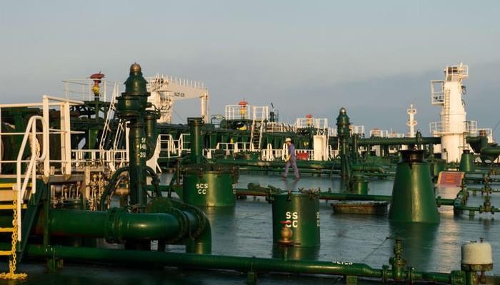Một cảng dầu bên Vịnh Persia của Iran - Ảnh: Bloomberg/CNBC.