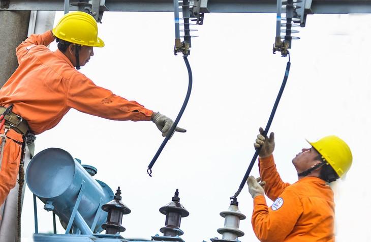 Năm 2019, Công ty CP Đầu tư EPT được công bố trúng 55 gói thầu ngành điện với tổng giá trúng thầu hơn 400 tỷ đồng. Ảnh: Nhã Chi