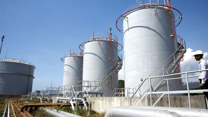 Yêu cầu nhà cung cấp bảo hiểm được các tổ chức xếp hạng quốc tế xếp hạng tài chính an toàn khiến một số doanh nghiệp bảo hiểm phi nhân thọ bị loại tại gói thầu cung cấp dịch vụ bảo hiểm cho một nhà máy dầu khí. Ảnh: Phú An