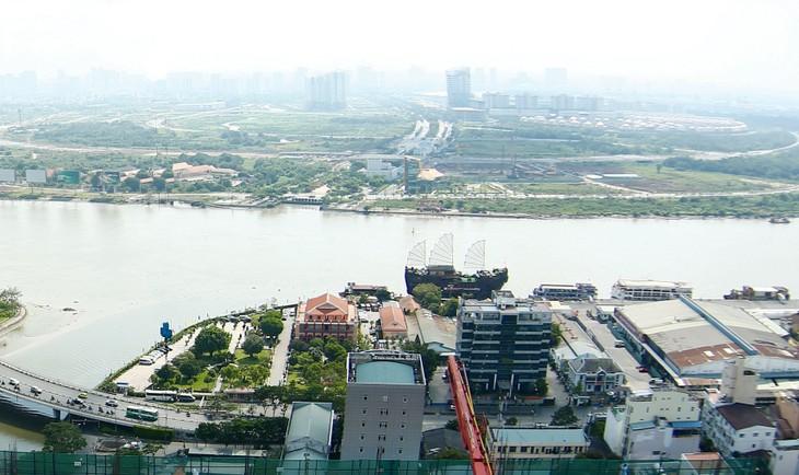 Việc chuyển đổi mục đích sử dụng đất đối với phần diện tích vị trí khu cảng Nhà Rồng - Khánh Hội đến nay chưa hoàn thành. Ảnh: Lê Tiên