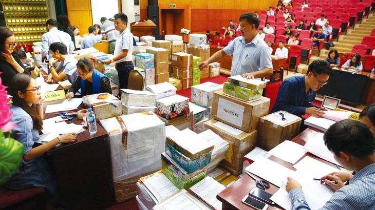 Các gói thầu mua sắm tập trung có số lượng hàng hóa rất lớn, phạm vi cung cấp rộng và tiến độ bàn giao nhanh khiến nhà thầu trúng thầu vất vả hơn. Ảnh: Hải An