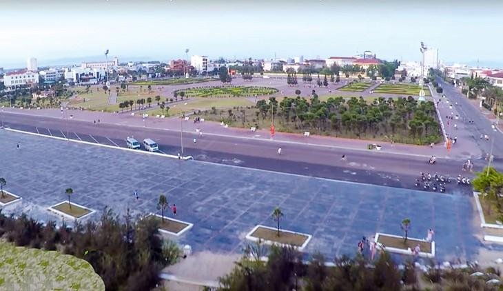 Bên mời thầu đã ký hợp đồng với 2 liên danh trúng 2 gói thầu EC tại TP. Tuy Hòa, tỉnh Phú Yên để sớm thi công công trình. Ảnh: Trấn Vũ