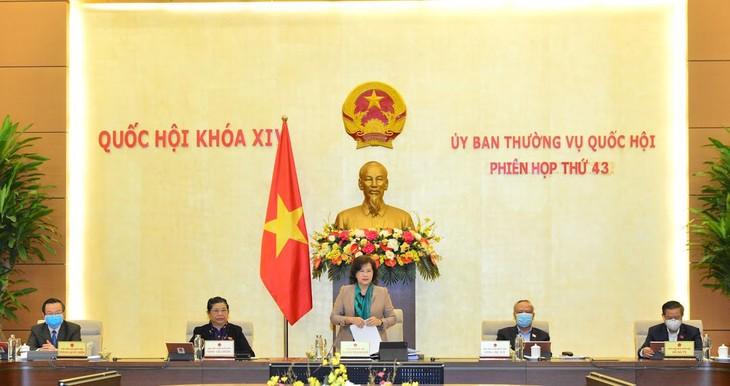 Chủ tịch Quốc hội Nguyễn Thị Kim Ngân chủ trì Phiên họp thứ 43 của Ủy ban Thường vụ Quốc hội. Ảnh: Quang Khánh