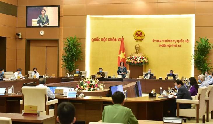 Chủ tịch Quốc hội Nguyễn Thị Kim Ngân phát biểu bế mạc Phiên họp thứ 43 của Ủy ban Thường vụ Quốc hội. Ảnh: Quang Khánh