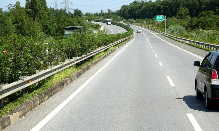 Dự án Xây dựng đường cao tốc Tuyên Quang - Phú Thọ kết nối với đường cao tốc Nội Bài - Lào Cai có tổng chiều dài khoảng 40,2 km. Ảnh: Lê Tiên