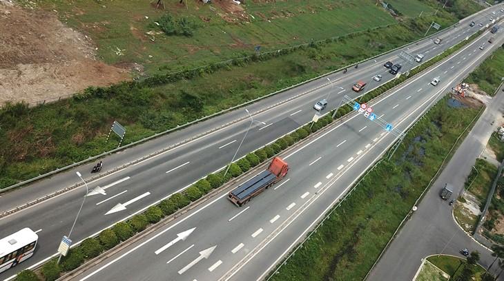 Dự án Cao tốc Bắc - Nam phía Đông đoạn Nha Trang - Cam Lâm có tổng chiều dài tuyến 49,11 km, đi qua địa bàn huyện Diên Khánh, huyện Cam Lâm và TP. Cam Ranh. Ảnh: Lê Tiên