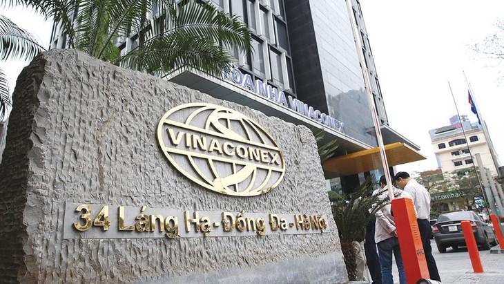 Trong bối cảnh dịch Covid-19 diễn biến phức tạp, Vinaconex và nhiều doanh nghiệp đã thông báo gia hạn thời gian tổ chức Đại hội đồng cổ đông thường niên 2020. Ảnh: Nhã Chi