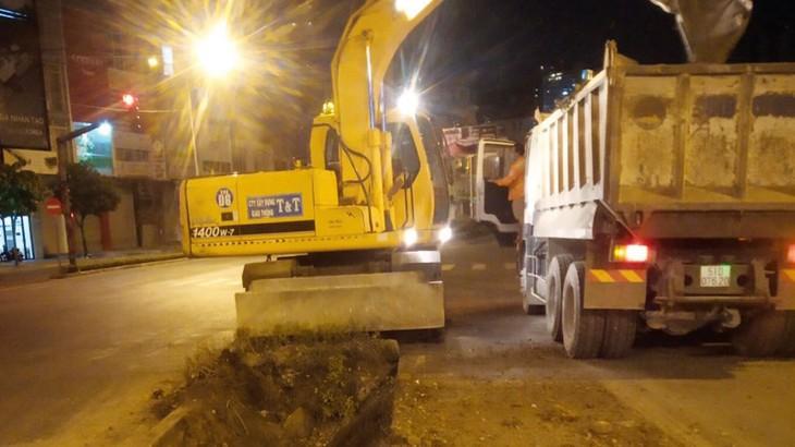 Nhà thầu thi công hệ thống cống từ các hẻm đồng bộ với hệ thống thoát nước của đường Nguyễn Hữu Cảnh
