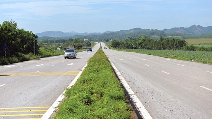 Dự án Đường nối TP. Thanh Hóa với Cảng hàng không Thọ Xuân, đoạn từ cầu Nỏ Hẻn đến Đường tỉnh 514 có tổng mức đầu tư là 972 tỷ đồng. Ảnh: Hà Chi