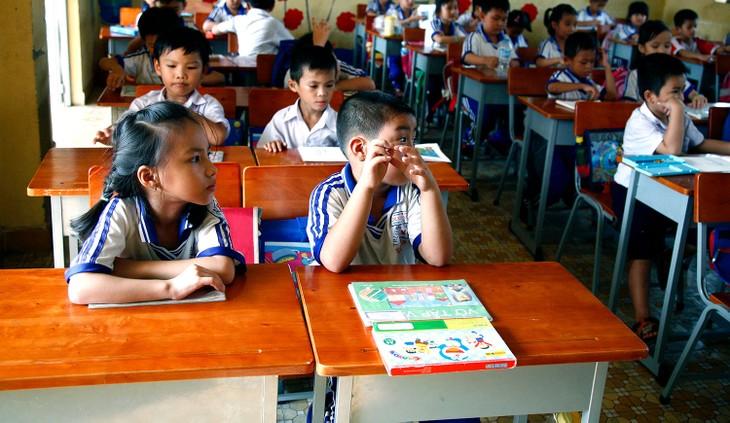 Theo phản ánh, thời gian thực hiện hợp đồng Gói thầu mua sắm bàn ghế học sinh thuộc Phòng Giáo dục và Đào tạo huyện Bảo Lâm (Lâm Đồng) là quá ngắn. Ảnh: Nhã Chi