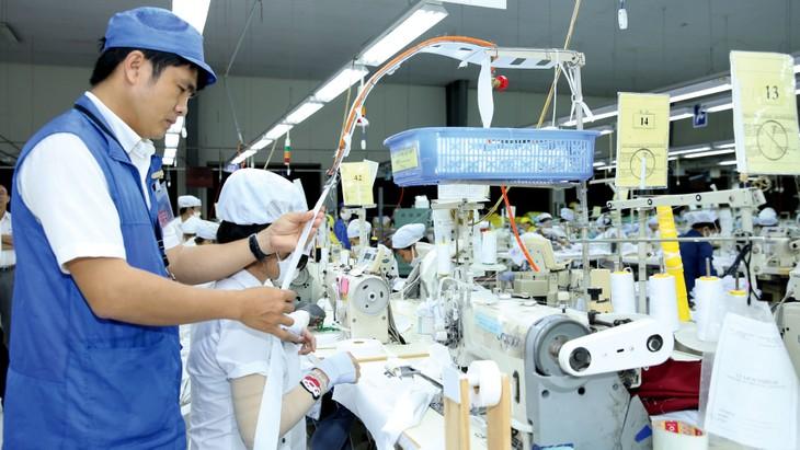 Với sự đồng lòng và vững tin ở những giải pháp của Chính phủ, cả nước đang từng bước chiến thắng dịch bệnh, phục hồi kinh tế. Ảnh: Lê Tiên