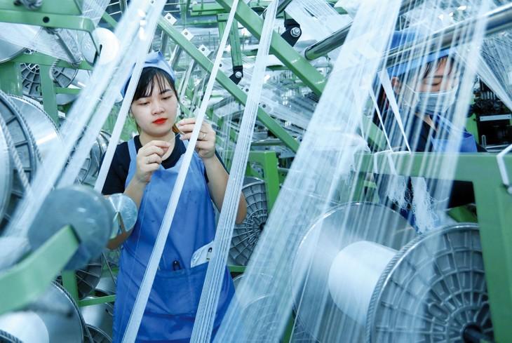 Tính chung 4 tháng đầu năm 2020, Chỉ số sản xuất toàn ngành công nghiệp chỉ tăng 1,8% so với cùng kỳ năm trước, mức tăng thấp nhất trong nhiều năm qua. Ảnh: Huấn Anh