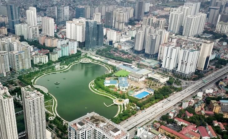Khoảng 95% khối lượng công việc của Dự án Công viên hồ điều hòa Nhân Chính đã được hoàn thành, đưa vào sử dụng từ tháng 9/2018. Ảnh: Lê Tiên