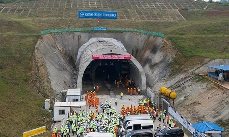 Đường hầm thuộc dự án đường sắt cao tốc Jakarta - Bandung ở Indonesia hồi tháng 5/2019. Ảnh:Xinhua