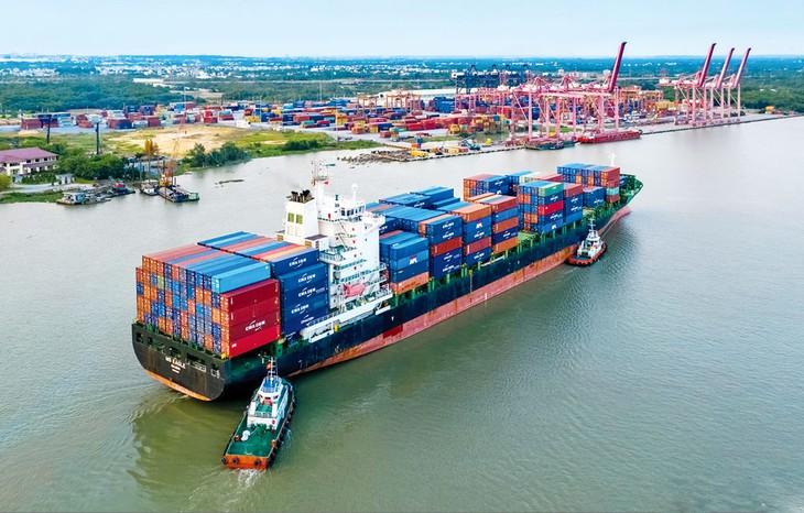 EVFTA dự kiến giúp kim ngạch xuất khẩu của Việt Nam sang EU tăng thêm khoảng 42,7% vào năm 2025 và 44,37% vào năm 2030 so với không có Hiệp định. Ảnh: Giang Đông