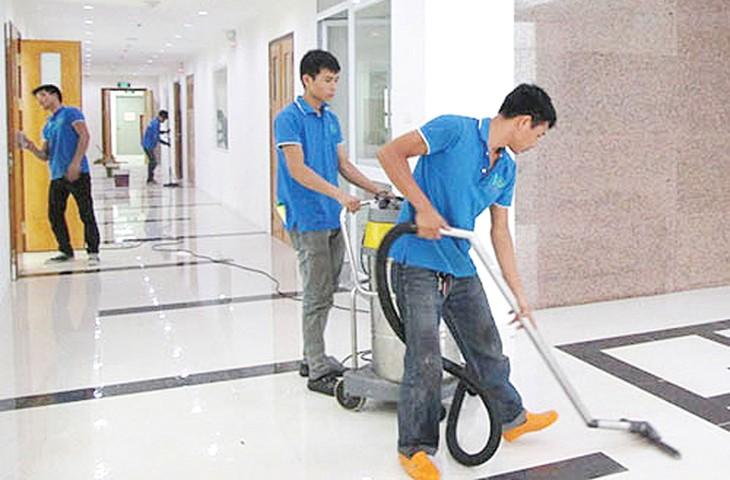 Gói thầu Cung cấp dịch vụ vệ sinh công nghiệp tại Trường Tiểu học Hạ Đình (Hà Nội) do Nhà trường làm chủ đầu tư. Ảnh minh họa