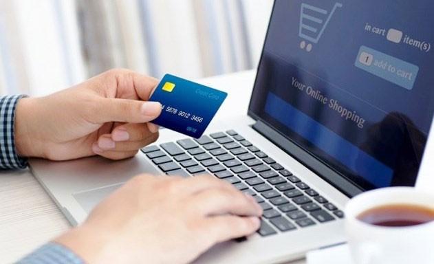 Chính phủ đặt mục tiêu đến năm 2025, 55% dân số tham gia mua sắm trực tuyến. Ảnh: Vân Linh