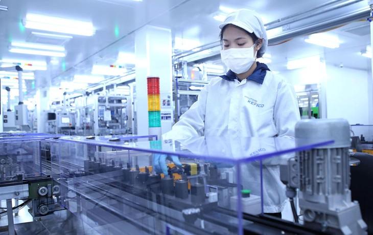 5 tháng đầu năm, lĩnh vực công nghiệp chế biến, chế tạo dẫn đầu thu hút đầu tư nước ngoài với tổng số vốn 6,88 tỷ USD. Ảnh: Huấn Anh