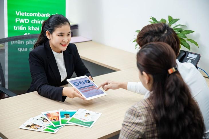 Vietcombank sẽ phân phối các sản phẩm bảo hiểm của FWD tại hơn 550 chi nhánh và phòng giao dịch của Vietcombank trên toàn quốc