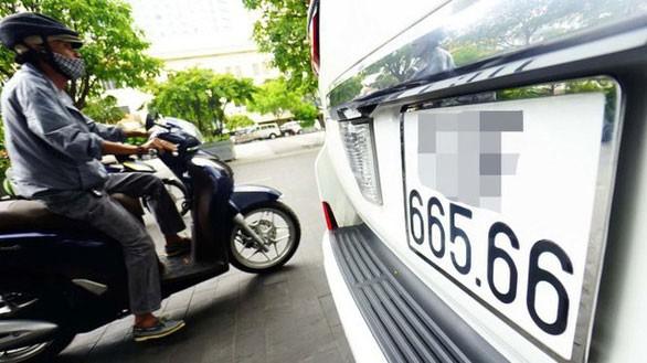 Cấp biển số xe ô tô thông qua đấu giá được đề xuất là một trong 3 hình thức cấp biển số xe cơ giới. Ảnh: Quang Định